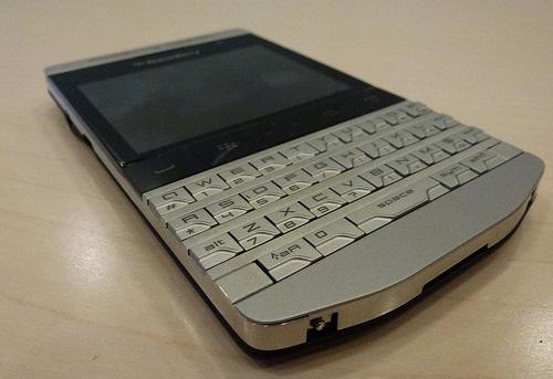 BUY: BRAND NEW APPLE IPHONE 4S/APPLE IPAD 2/BLACKBERRY BOLD TORCH 9900 -
