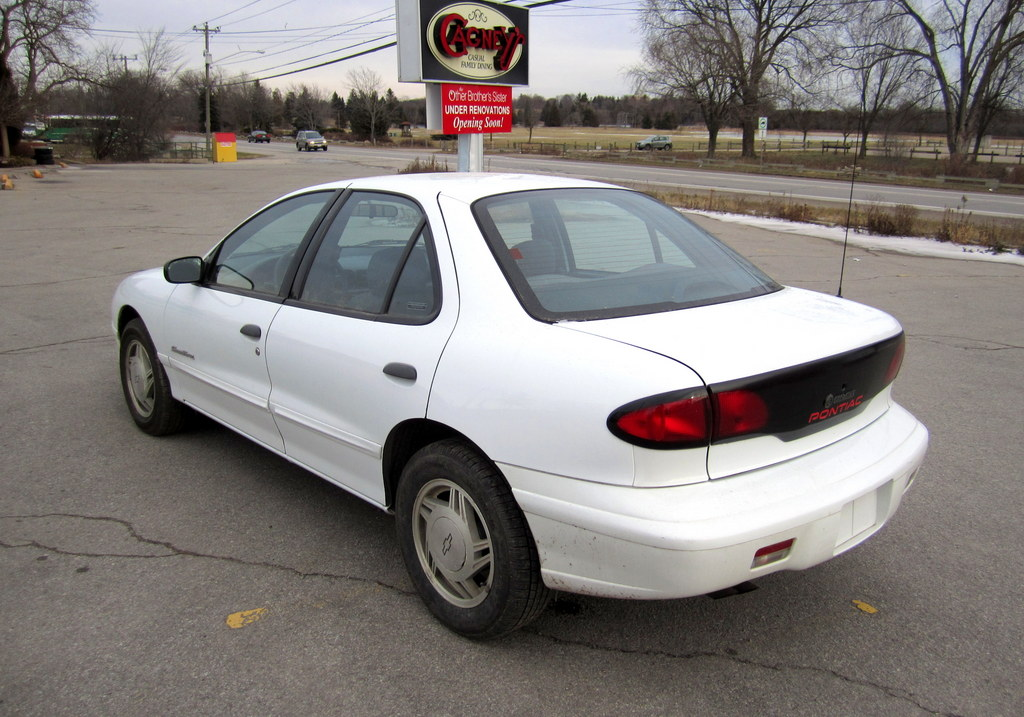 Pontiac Sunfire MINT Only 119,000km! $2,450 - Img 2133