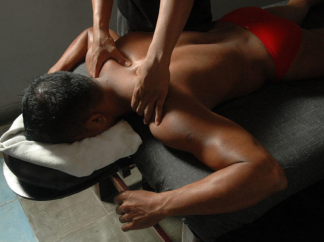 Professional Massage By Male Therapist - Tmwc