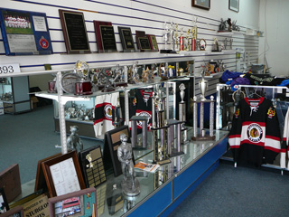 Best Trophies & Awards In Mississauga - Custom Jerseys Uniforms Trophies