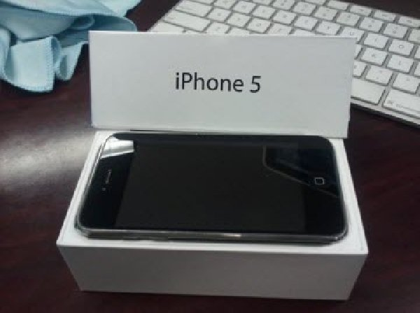 Brand New Apple IPhone 5 And Lot Of Mobile Phones - New And Unlocked Apple Iphone 5 Black Available In Store For Sales 1