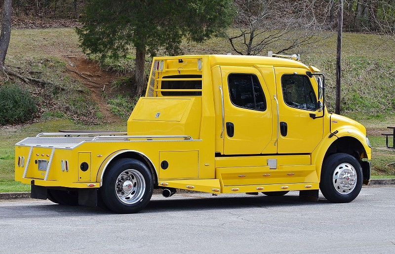 FREIGHTLINER RHA114 SPORT CHASSIS -