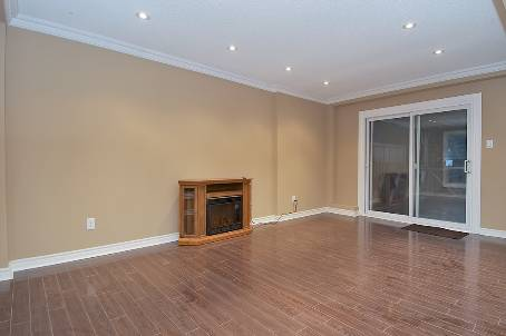 DETACHED 3 BEDROOM HOME IN BRAMPTON BASEMENT INCLUDED!! - W2536387 3 1