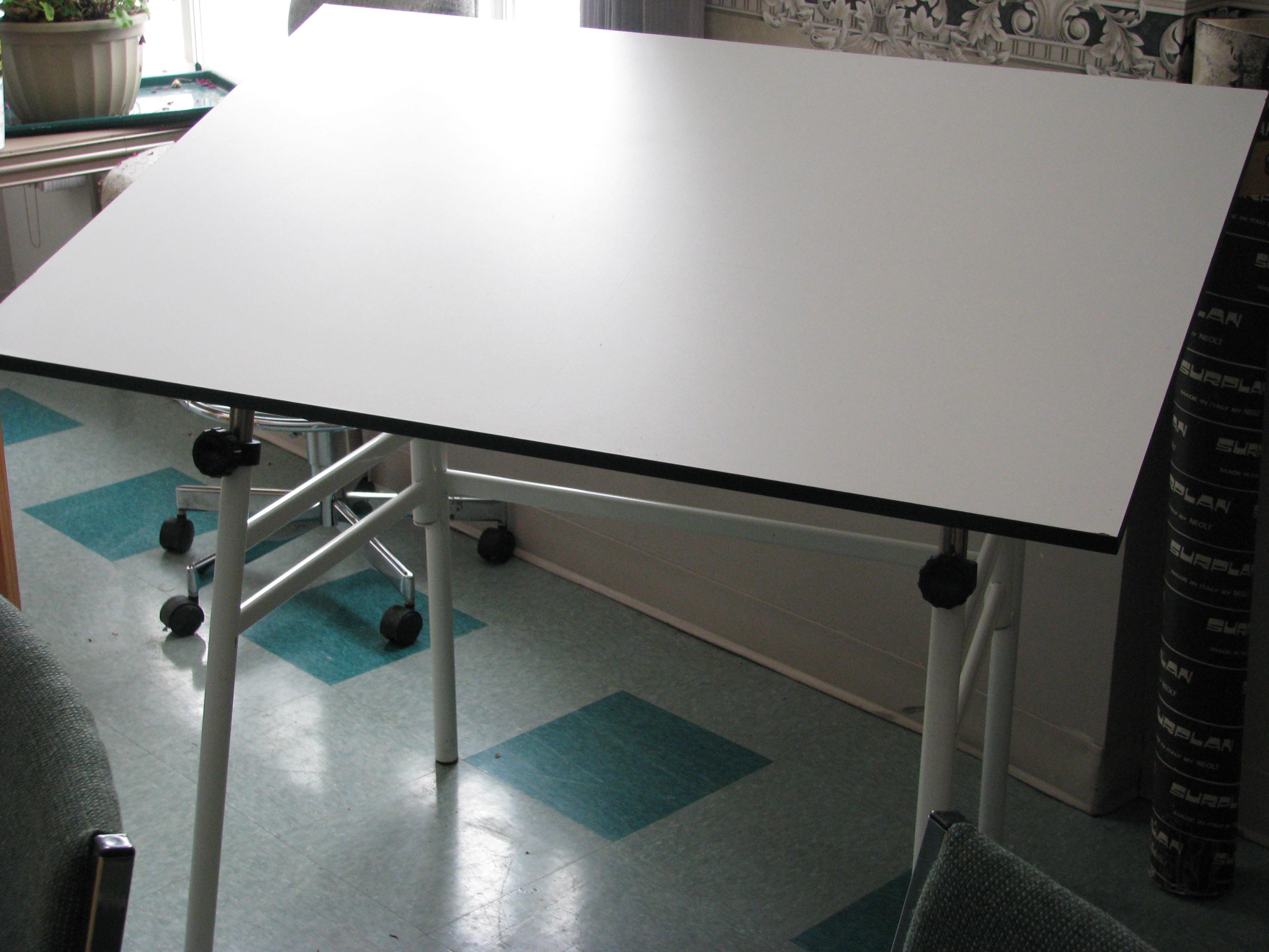 Drafting Table - Drafting Desk 002