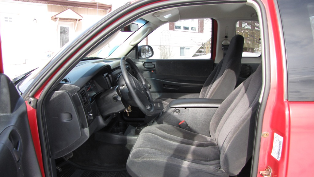 Dodge Dakota, Club Cab, 4x4 - Front Seat