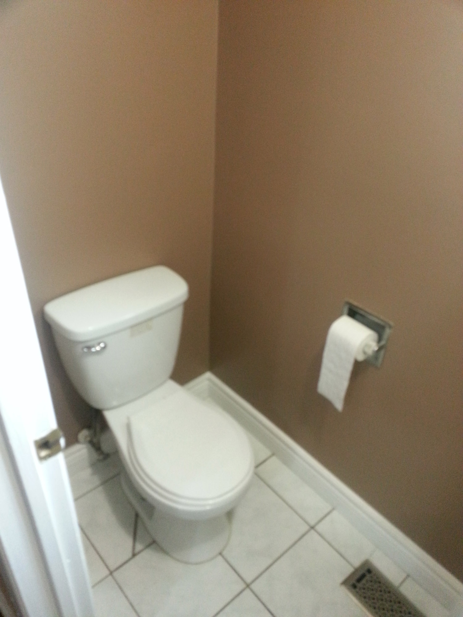Attractive 3 Bed 1 5 Bath Townhome For Rent In Heart Of Brampton - 09 01 13 08 02