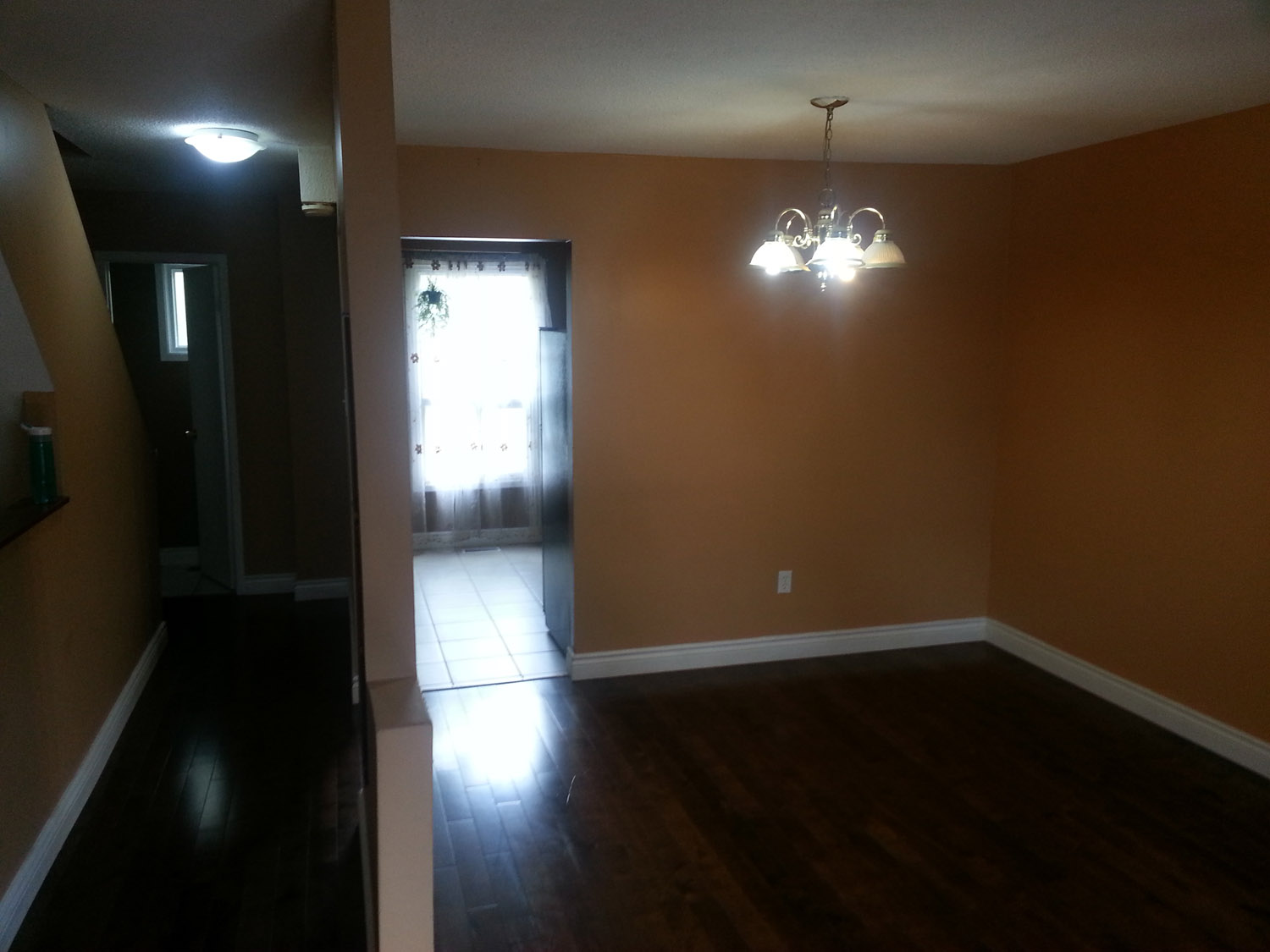 Attractive 3 Bed 1 5 Bath Townhome For Rent In Heart Of Brampton - 09 01 13 22 00 1 1