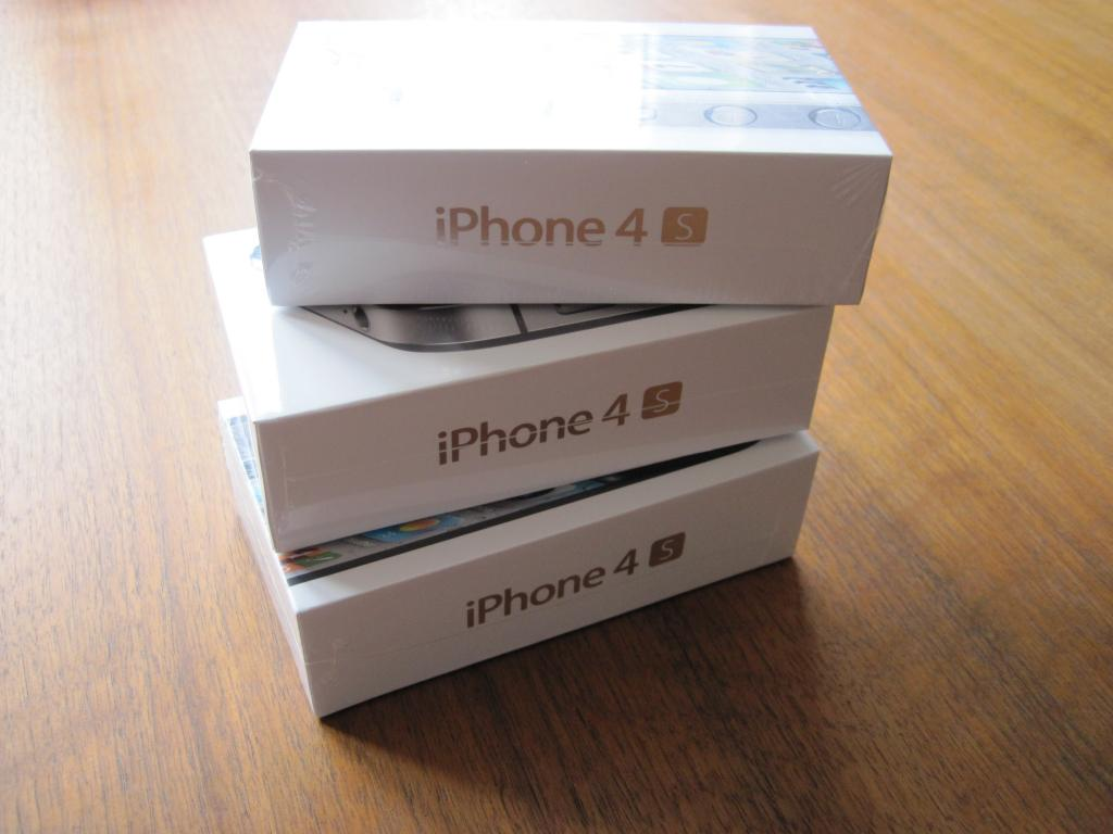 WTS:Apple Iphone 4S 32GB,Apple Iphone 4G 32GB,Apple Ipad 2 3G 64GB With Wi Fi,Samsung Galaxy Tab P1000 3G GPS - Buy Latest Apple Iphone 5g 64gb 2